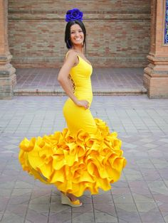 TVTUBE Turismo Virtual: Traje de flamenca amarillo II