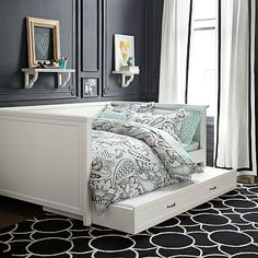 Hampton Daybed + Trundle  Also LOVE the bedding and rug