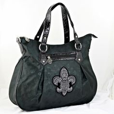 NEW !! BEAUTIFUL FLEUR DE LIS PURSE.  HAS ZIP TOP CLOSURE.  MEASURES APPROX. 18 INCHES WIDE BY 13 INCHES TALL AND 4.5 INCHES DEEP. REALLY PRETTY!!!!