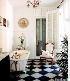 black and white floors in the bath
