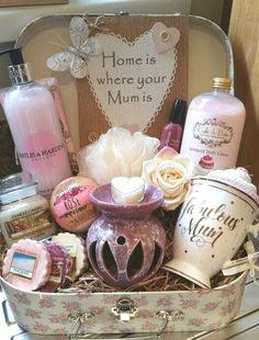 Beautiful mom gift basket Perfect for wedding gifts .- Beautiful mom gift basket Perfect for a wedding gift. Mother of the Groom … basket - Sentimental Gifts For Mom, Christmas Gifts For Mum, Diy Gifts For Mom, Diy Mothers Day Gifts, Meaningful Gifts, Gift Ideas For Mum, Mum Gifts, Xmas Presents For Mum, Birthday Gifts For Mum