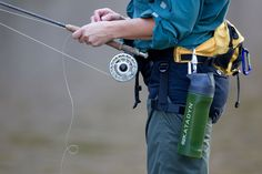 Flyfishing with the Katadyn MyBottle to drink from the river with confidence.