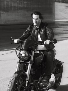 Gallerykeanu: #keanureeves #keanu Men's Fitness + GQ, February 2017 February 11, 2017 at 06:59AM