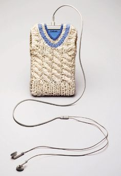 iPod cover | UK Hand Knitting Association - Free pattern