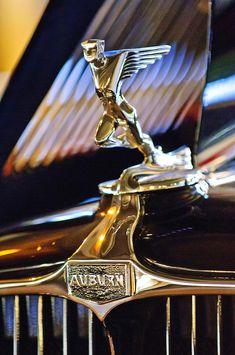1932 Auburn Speedster Hood Ornament - Car Images by Jill Reger Car Badges, Car Logos, Logo Autos, Auburn Car, Car Symbols, Car Bonnet, Automobile, Car Hood Ornaments, Vw Vintage