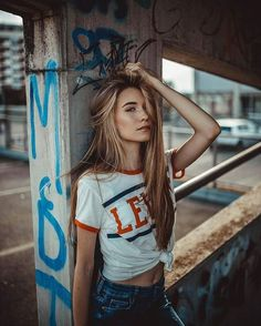 ( Urban look on point what are your plans for . - ( Urban look on point what are your plans for this sunny Saturda - Portrait Photography Poses, Photo Portrait, Photography Poses Women, Urban Photography, Photography Tips, Graffiti Photography, Fantasy Photography, Cool Photography Ideas, Photography Reflector