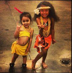 Little Tahitian dancers - Ori Tahiti