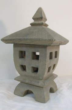 """Japanese garden Lantern in stone measures 11"""" high with pagoda top - Oriental Furnishings: Furniture & Décor"""