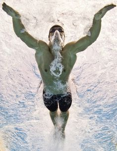 Russian Evgeny Korotyshkin competes during the men's butterfly qualifications at the European Swimming Championships in Budapest on August 9 2010 Sport Motivation, Swimming Motivation, I Love Swimming, Swimming Diving, Michael Phelps, Triathlon, Swimmer Problems, Girl Problems, Swimming Pictures