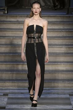 Pin for Later: London Fashion Week, le Guide Jour 2: Julien Macdonald