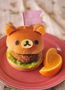 Çocuklarla birlikte yapabileceğiniz bu ayıcık hamburgerlerleri hazırlamak çok kolay.