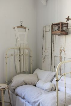 Love everything about this nook from the wrought iron bed to the salvaged doors and linen dress! Bedroom Vintage, Shabby Vintage, Vintage Decor, Vintage Iron, Le Logis, Wrought Iron Beds, Brass Bed, Shabby Chic Cottage, French Cottage