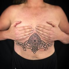 Here's another piece I did on Dawn yesterday. This will not be a stand alone under boob piece as it will connect up to other designs on her ribs. But for now, I hope it's as presentable as can be :) it was great to see you again Dawn, and thanks for the present!! See you soon. #viking #vikings #vikingtattoo #norse #nordic #nordictattoo #norsemythology #dotwork #dotworktattoo #knotwork #knotworktattoo #ásatrú #helmofawe #raventattoo #hugin #munin #aegishjalmur