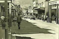 Hanover street, District Six - Cape Town - One of the iconic streets in Cape Town.especially well-known due to an old popular song in South Africa. Apartheid Museum, Hanover Street, Desert Life, Most Beautiful Cities, City Streets, Woodstock, Old Pictures, Live, Cape Town