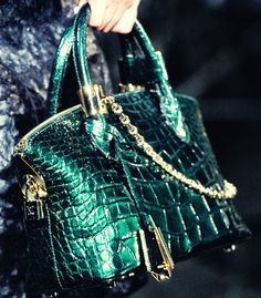 modeavenueparis: Louis Vuitton Fall / Winter 2011/2012 | Paris