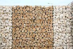 #Sichtschutz #Gabione, verschiedene #Steine und #Holz #Mauergabionen, #Sichtschutzgabione, # Gabione mit #Bruchstein, interessiert?  Sprechen sie doch den Gartenbauarchitekten ihres Vertrauens einfach mal an.