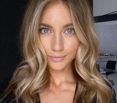 I would kill for her freaking skin tone!!