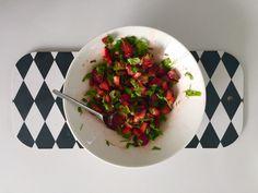 Strawberry salsa from the Rakkaudella, Karita -blog. Link below. http://blogit.kauneusjaterveys.fi/rakkaudellakarita/kesan-suosikkiruokani/
