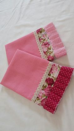 Crochet Edging Tutorial Tea Towels Ideas For 2019 Dish Towel Crafts, Dish Towels, Hand Towels, Tea Towels, Sewing Hacks, Sewing Crafts, Sewing Projects, Diy Crafts, Embroidery Stitches