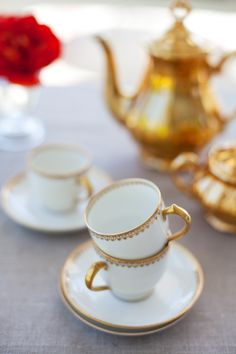this looks very similar to the vintage china I will inherit.  My grandmother purchased her service for 20 from a Limoges dealer in montreal. The simple gold leaf on white is both dainty and striking.