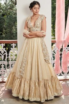 Looking for Lehenga choli online shopping with the price experience can be daunting. To make it easier for you, we have a line-up of most stunning lehenga choli ensembles available online. Designer Dress For Men, Designer Gowns, Lehenga Choli Online, Bridal Lehenga Choli, Lehenga Designs Simple, Dresses For Sale, Girls Dresses, Indian Wedding Outfits, Indian Outfits