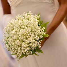Bouquet da sposa particolare  fatto solo di mughetti.