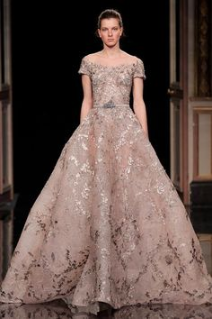haute couture fashion Archives - Best Fashion Tips Haute Couture Dresses, Couture Fashion, Beautiful Gowns, Beautiful Outfits, Elegant Dresses, Pretty Dresses, Evening Dresses, Prom Dresses, Ellie Saab