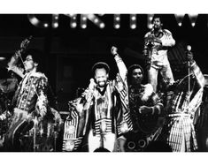 Earth-Wind-amp-Fire-in-Concert-legendary-group-8x10-Photo