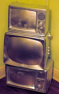 painting old tvs ... ART