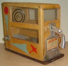 Antique Vintage Old Penny Arcade Gun and Gumball Machine skill countertop target practice abt challenger Arcade Game Machines, Arcade Machine, Vending Machines, Vintage Games, Vintage Toys, Pinball, Vintage Slot Machines, Arcade Console, Retro Arcade Games