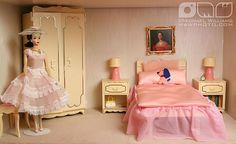 Cindy Whiteside Barbie Dioramas | Flickr - Photo Sharing! Barbie Dolls Diy, Diy Doll, Barbie Stuff, Barbie Clothes, Barbie Miniatures, Barbie Diorama, Barbie Dream, Barbie House, Pink Barbie