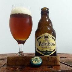 Foto e texto por  @marcokling  A Maredsous é uma Cerveja Abadia da Cervejaria Duvel essa é do Estilo Belgian Tripel e que possui cor âmbar corpo médio aroma frutado notas de caramelo e amêndoas.  Grau Alcoólico (ABV) = 10%  Cheers!!!   #tripel #abbaye #belgian #maredsous #duvel#cerveja#padawancervejeiro#beerinstagram#artezanalbeer #crafbeer #beerculture #cervejasespeciais #comandocervejeiro#cervejadeverdade #degustação #cerva #cerveza #bier #birra #beer #cervejaartesanal #culturadacerveja…