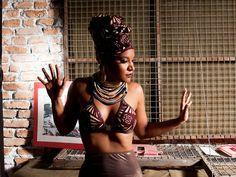Haverá exposição de arte e venda de peças customizadas com ideias da própria cantora.
