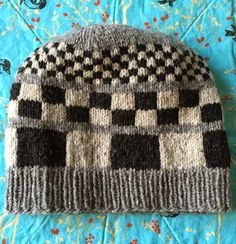 (photo from marthastewart.com) Hi, Knitters, I have lots and lots of links for you today. I hope you are all doing well and knittin...