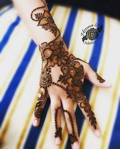Mehendi for wedd Khafif Mehndi Design, Floral Henna Designs, Indian Mehndi Designs, Mehndi Designs For Girls, Modern Mehndi Designs, Mehndi Design Pictures, Wedding Mehndi Designs, Mehndi Designs For Fingers, Beautiful Mehndi Design