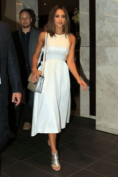Jessica Alba en look immaculé