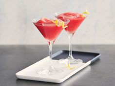 Watermelon Martinis : Combine frozen watermelon puree with vodka and melon liqueur for a smooth and frosty cocktail. Garnish with a lemon twist for a playful touch.