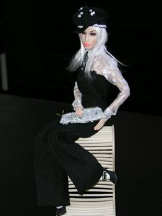 Superdoll-Sybarite-Oyster-Classic-8-Fashion-HTF-Gorgeous