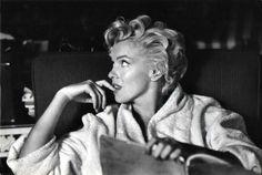 """Marilyn Monroe by Elliott du tournage de """"The seven year itch"""" Marilyn Monroe Portrait, Marilyn Monroe Photos, Classic Actresses, Actors & Actresses, Classic Films, Elliott Erwitt Photography, 7 Year Itch, History Of Photography, Documentary Photographers"""