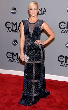 Kellie Pickler stuns in an illusion-paneled beaded gown. How amazing does she look?!