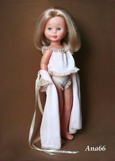 La habitación de Ana - A-C Nancy Doll, Spanish Girls, Ag Dolls, Barbie, To My Daughter, Flower Girl Dresses, Wedding Dresses, Fashion, Vestidos
