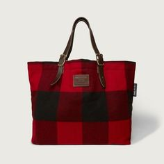 Abercrombie & Fitch Woolrich with Buffalo Check Shoulder Tote ($210) ❤ liked on Polyvore featuring bags, handbags, tote bags, red and black plaid, plaid tote, wool handbag, vintage tote bag, wool purse and shoulder tote handbags