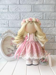 Кукла ручной работы Melani – купить или заказать в интернет-магазине на Ярмарке Мастеров | Куколка ручной работы в нежных розовых тонах. У…