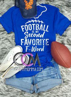 Fußball ist mein zweites Lieblings-F-Wort-Shirt, Damen-Fußball-Shirt, lustiges Fußball-Shirt-T-Shirt – One Crafty Momma™ Football Spirit, Football Cheer, Football Outfits, Football Baby, Football Season, Funny Football Shirts, Football Shirt Designs, Sports Mom Shirts, Custom Football Shirts