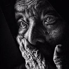 Bu gününü bozuk para gibi harcarken, yarın da var unutma. Başkasına zulüm…