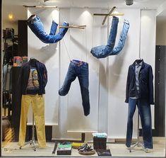 Vitrine Jean, Pepe Jeans, Harem Pants, Sports, Ideas, Fashion, Men's, Clothing Store Displays, Store Windows