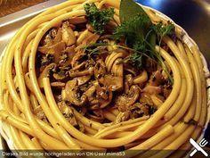Makkaroni in Champignon - Käse - Soße (Rezept mit Bild) | Chefkoch.de