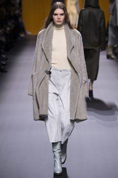 0a5fd01273e Hermès Fall 2016 Ready-to-Wear Fashion Show
