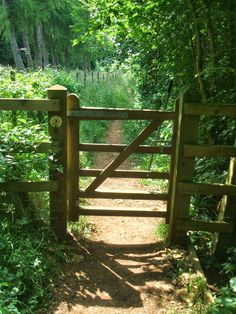 Shaun Kenaelly.: The Cotswold Way