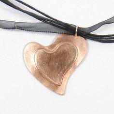 Collier métal bronze doré forme coeur